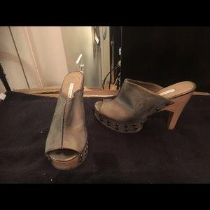 Distressed silver open toe mule